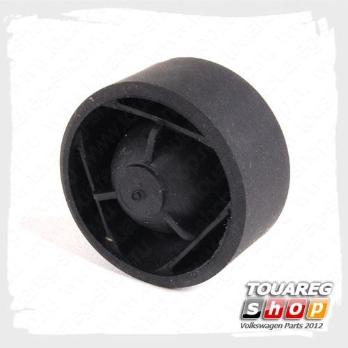 Втулка крепления крышки двигателя VAG 07C103226A